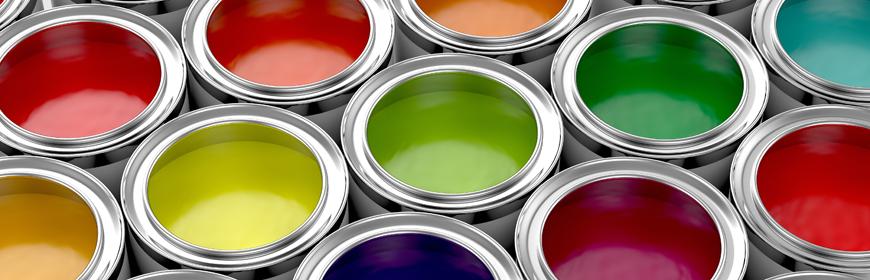 Målarburkar med olika färger