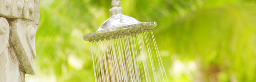 Dusch med rinnande vatten