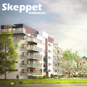 Ett sexvåningshus med inglasade balkonger i en lummig och grön miljö